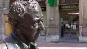 La statua di Woody Allen a Oviedo