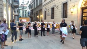 proteste lavoratori spettacolo piccolo teatro grassi milano